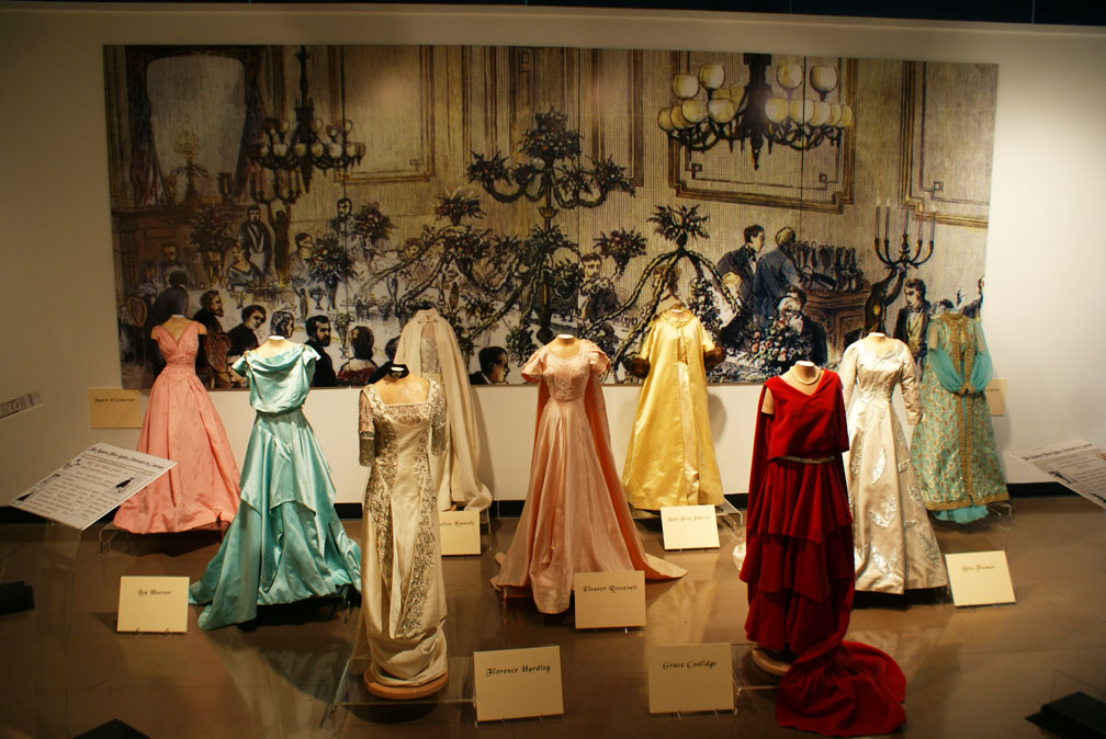 First lady gowns featured in new exhibit at Kuhn Gallery - Marion Online